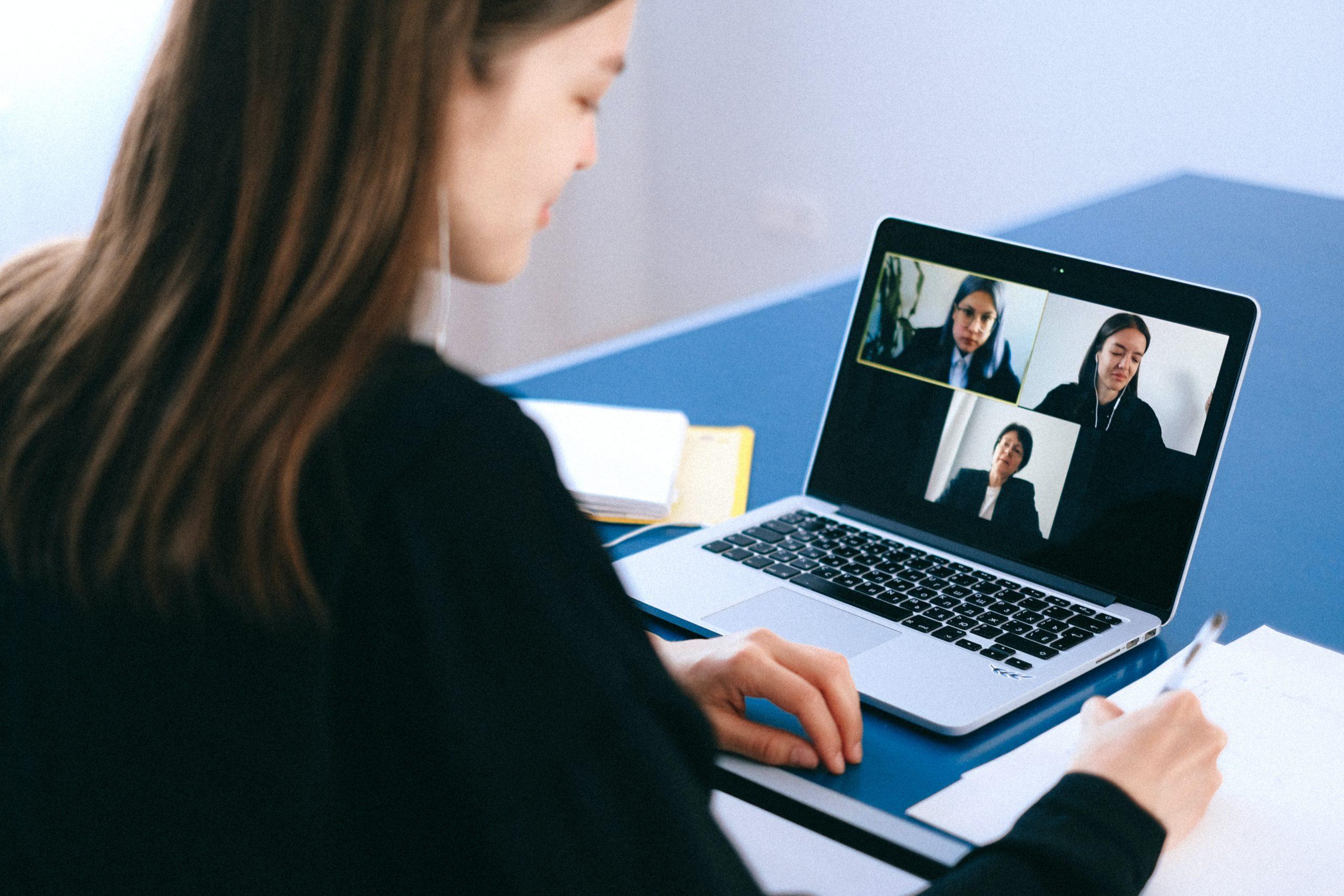 Quel logiciel choisir pour une conférence vidéo